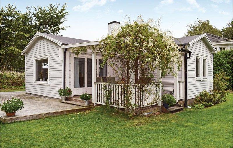 2 Zimmer Unterkunft in Jonstorp, vacation rental in Kvidinge