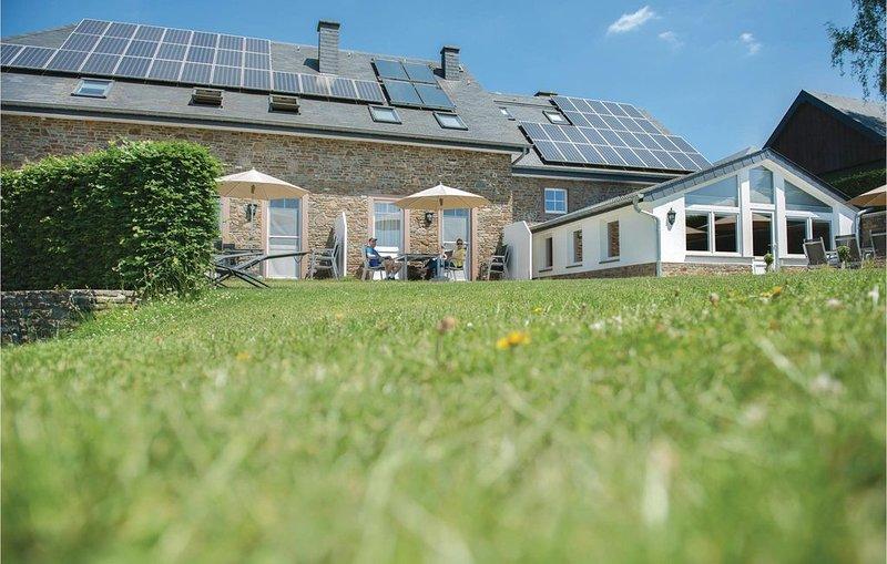 3 Zimmer Unterkunft in Steffeshausen-Burg Reuland, holiday rental in Bleialf