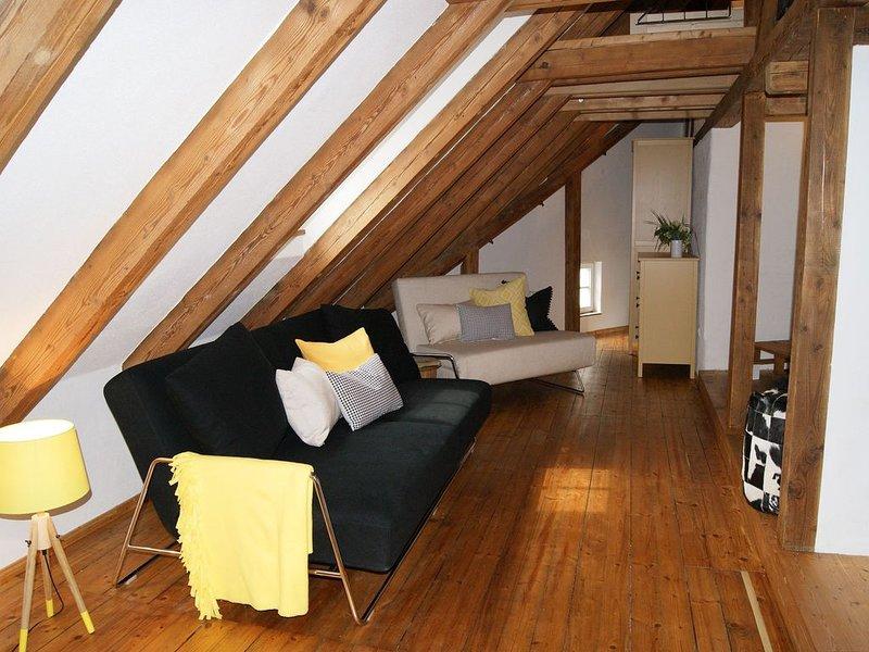 Maisonette-Ferienwohnung 65qm, 1 Wohn-/Schlafbereich, max. 4 Personen, vacation rental in Landsberg am Lech