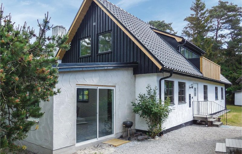 3 Zimmer Unterkunft in Borrby, vacation rental in Karlaby