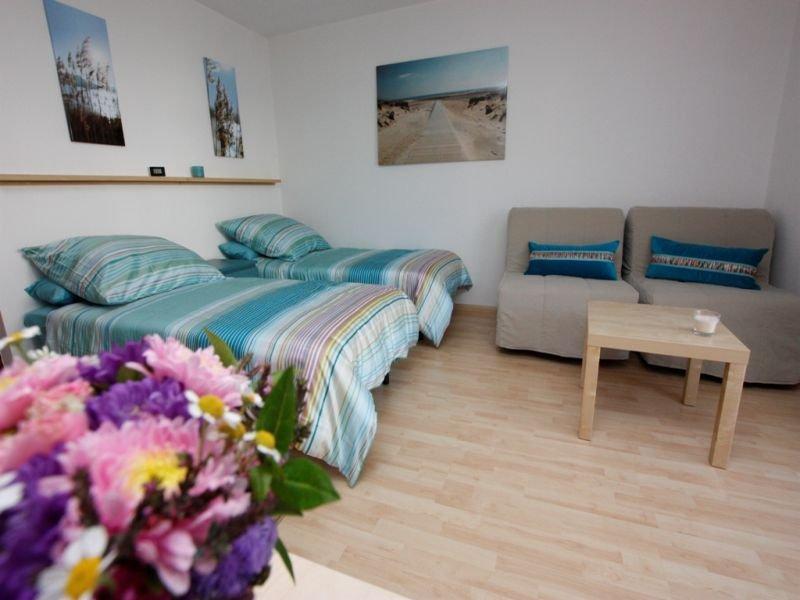 Ferienwohnung 1, 26qm, 1 Wohn-/Schlafraum, vacation rental in Umkirch