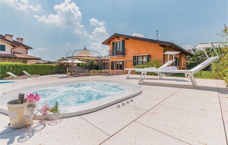 7 Zimmer Unterkunft in Fumane -VR-, holiday rental in Valgatara