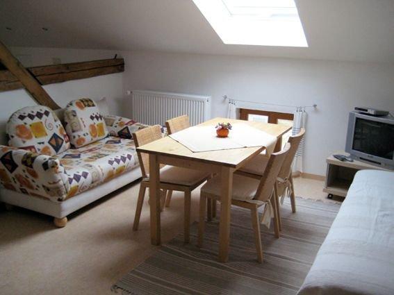 Appartement Vorgeher, Dusche/WC,bis 4 Personen, Wohnküche m. 2 Schlafsofa, 2 Bet, vacation rental in Eggenfelden