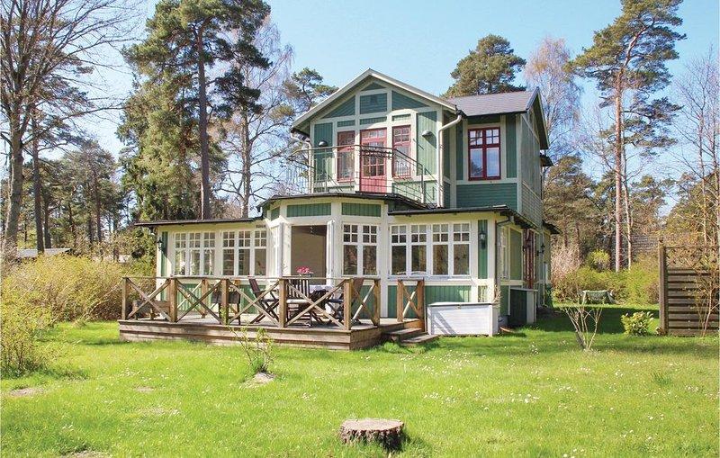 4 Zimmer Unterkunft in Ystad, holiday rental in Loderup