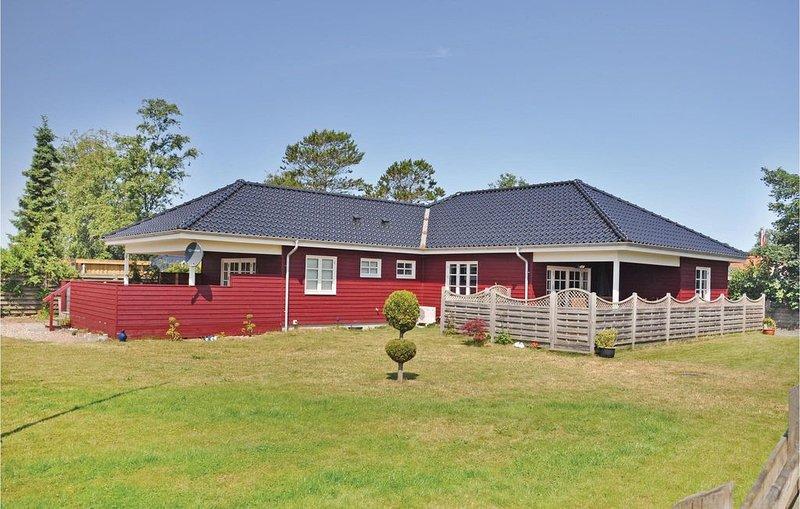 4 Zimmer Unterkunft in Broager, vacation rental in Soenderborg