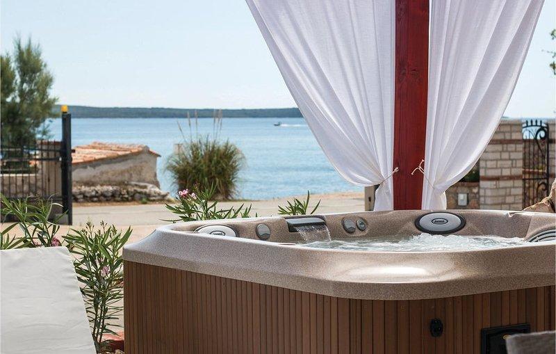 2 Zimmer Unterkunft in Nerezine, vacation rental in Nerezine