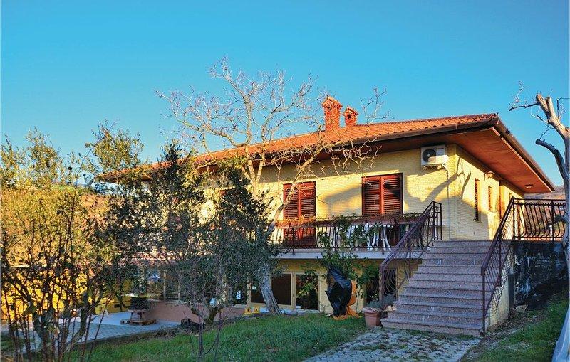 1 Zimmer Unterkunft in Izola, vacation rental in Smarje