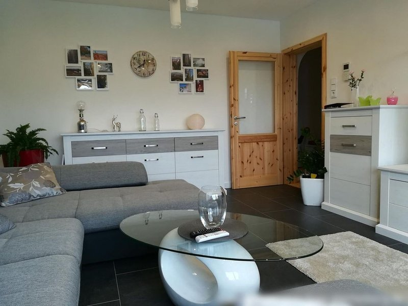 Ferienwohnung, ca. 75qm, 2 Schlafräume, max. 3 Personen, aluguéis de temporada em Finnentrop
