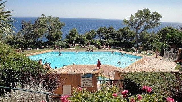 Appartement VUE MER 6 couchages, PISCINE, vacation rental in Saint-Mandrier-sur-Mer