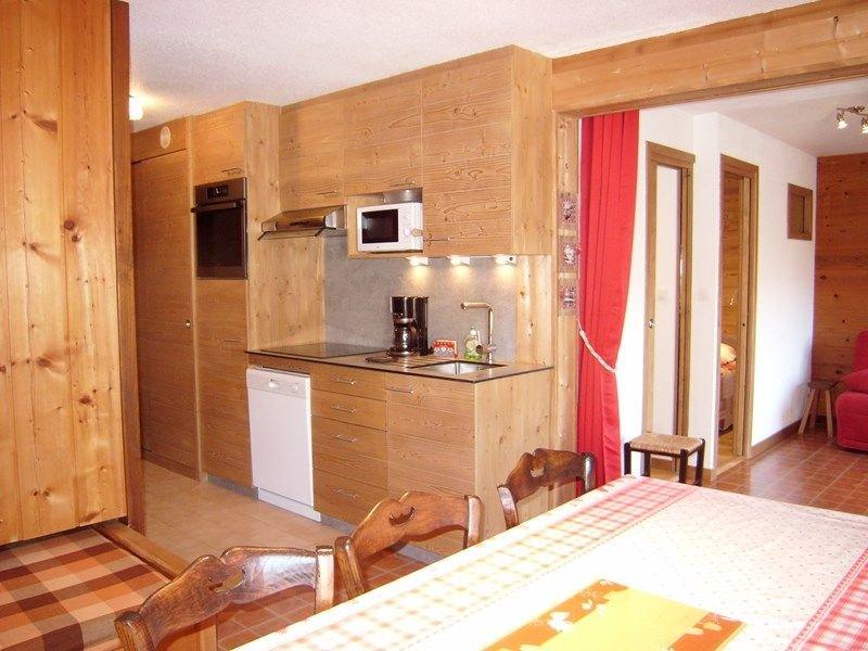 Appartement 6 personnes. au Coeur de la station 48 m², 2 salle d'eau, location de vacances à Ugine