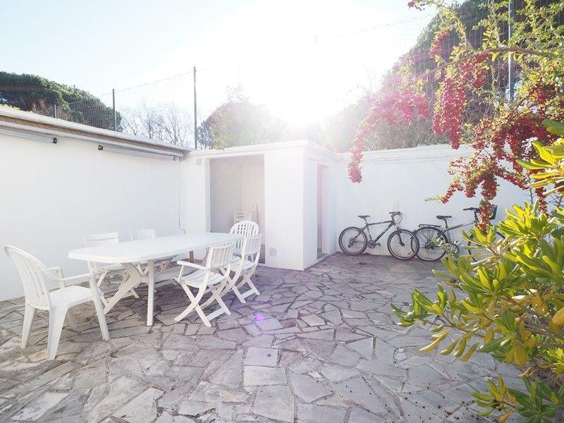 Villa tout confort, climatisée, résidence avec Piscine, holiday rental in La Grande-Motte