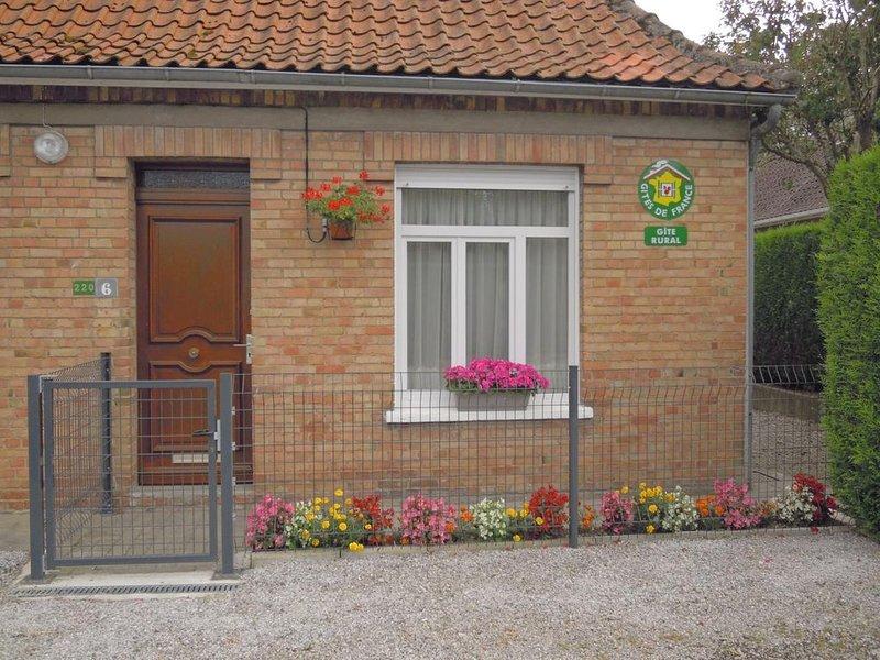 Recques sur Hem : entre Calais et St Omer maison pour 2 personnes., vacation rental in Les Attaques