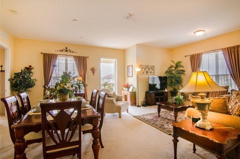 Luxury Condo at Vista Cay Resort sleeps 10, location de vacances à Pine Castle