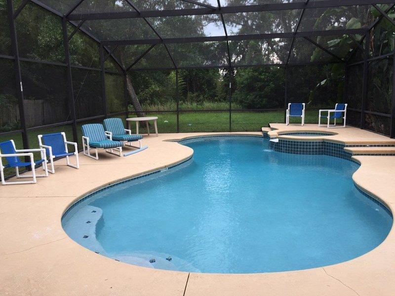 Private Huge Pool Home in Kissimmee, alquiler de vacaciones en Poinciana