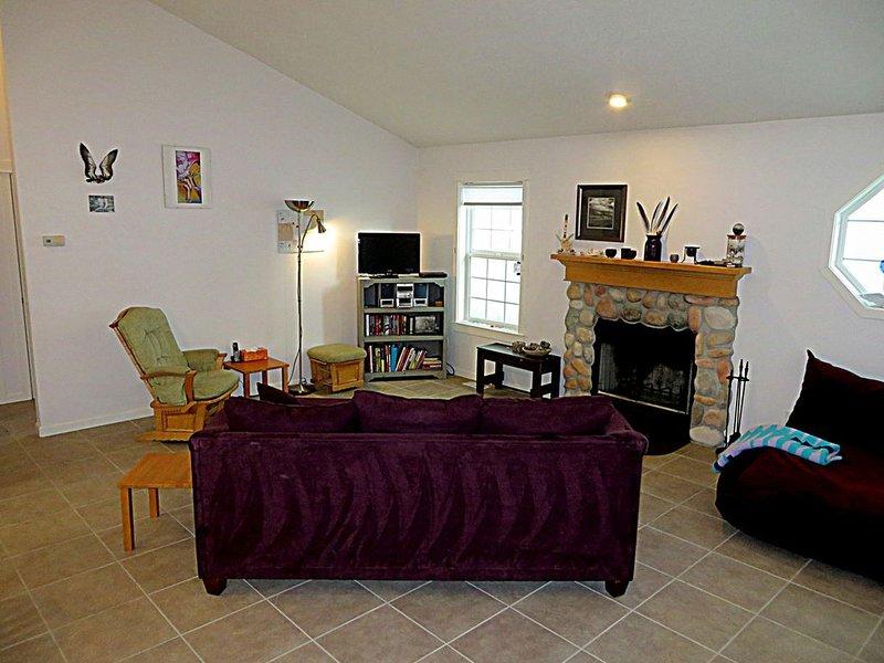 Blue Refuge #149 - Cute, affordable, close to beach. WIFI, dog OK., casa vacanza a Cloverdale
