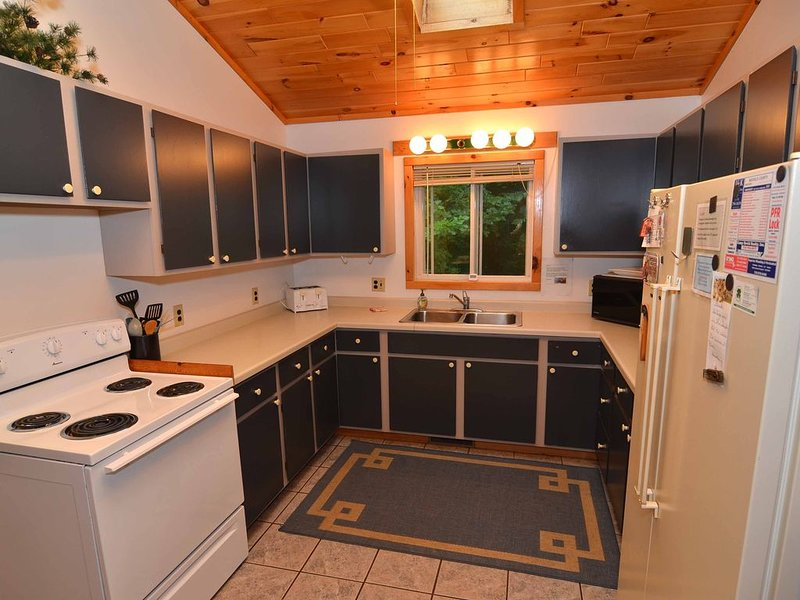 Vacation home on a peaceful stretch of the Namekagon River, holiday rental in Cable