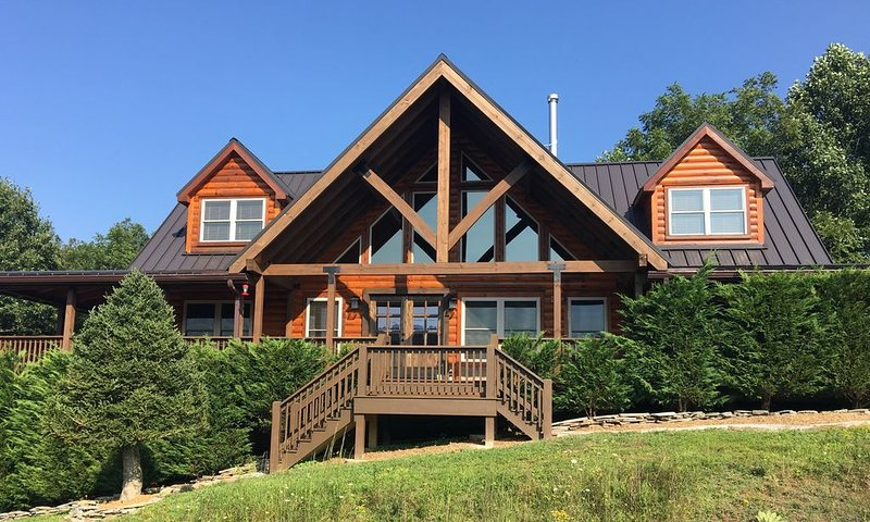 1 Appalachian Sky  - Beautiful home, amazing views, pool table, theater room!, vacation rental in Vilas