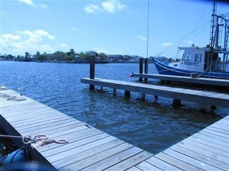 Laguna Madre Bait. Two Bedroom, One Bath. Private Boat Slip. Night Fishing Light, location de vacances à Port Mansfield