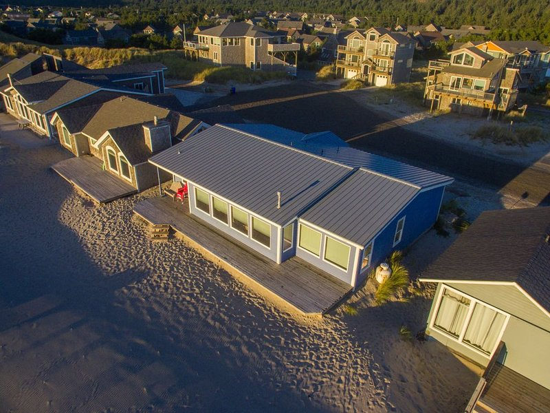 At Last #112 - Oceanfront home, direct beach access, wall of windows., vacation rental in Pacific City