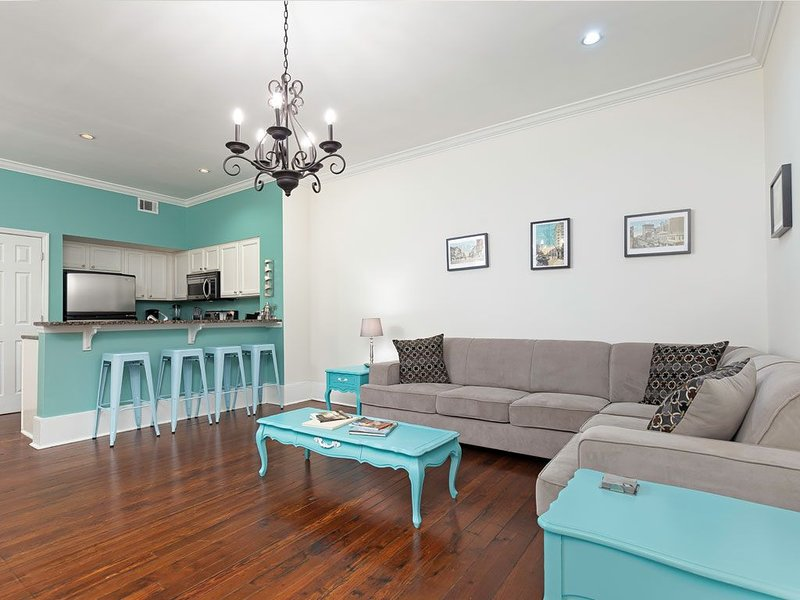 Great location on Broughton Street, walking distance to finest shops and eaterie, holiday rental in Rincon