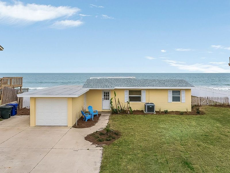 Budget friendly, casual beach house, close to St. Augustine. Pet friendly., holiday rental in Villano Beach
