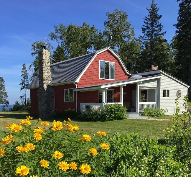 Charming Renovated Barn on the Coast of Down East, Maine, alquiler de vacaciones en East Machias