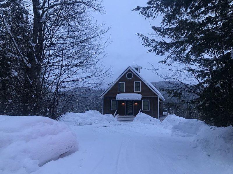 Vooraanzicht van 'The GingerBread' in de winter