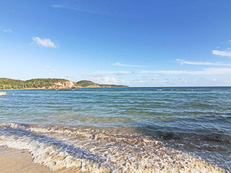 Tranquil Bolongo bay