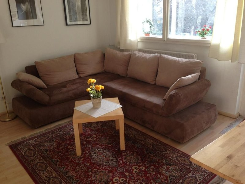 One of the Best Locations in West Berlin, 2 Rooms, Balcony, vacation rental in Berlin