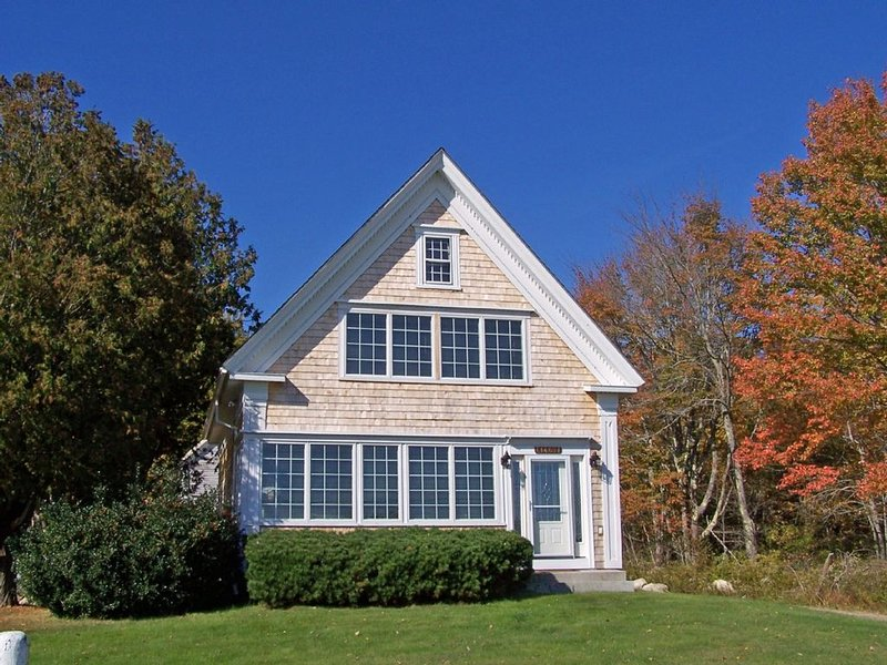 Spacious Newly Renovated Home-Newbury Neck, Stunning Ocean Views & Private Beach, vacation rental in Surry