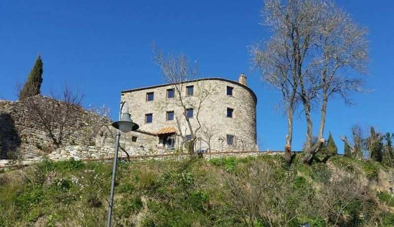 Luxury historic building in the heart of Tuscan Maremma, holiday rental in Campiglia Marittima