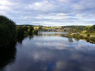 Loch shin in lairg vicino