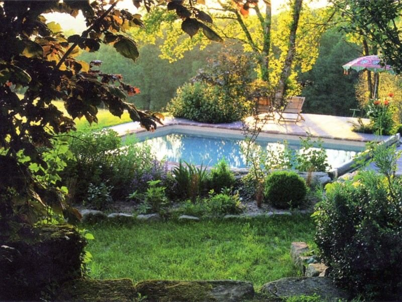 Lovely Family Home with peaceful garden and heated private pool, holiday rental in Le Pescher