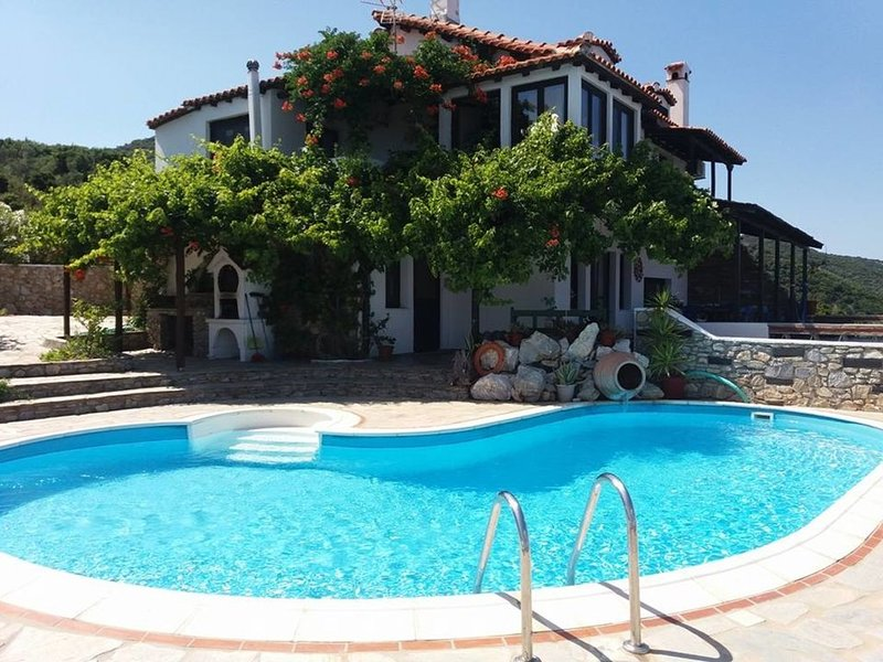 Villa Erifili' Luxurious villa with spectacular view in Skiathos Island, holiday rental in Skiathos