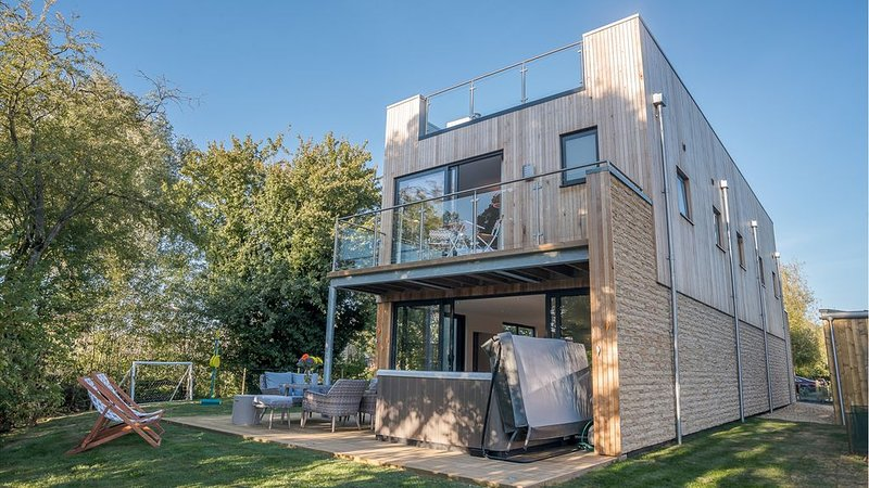 The Architect designed 5 bedroom Nature's Retreat, at the Lower Mill Estate