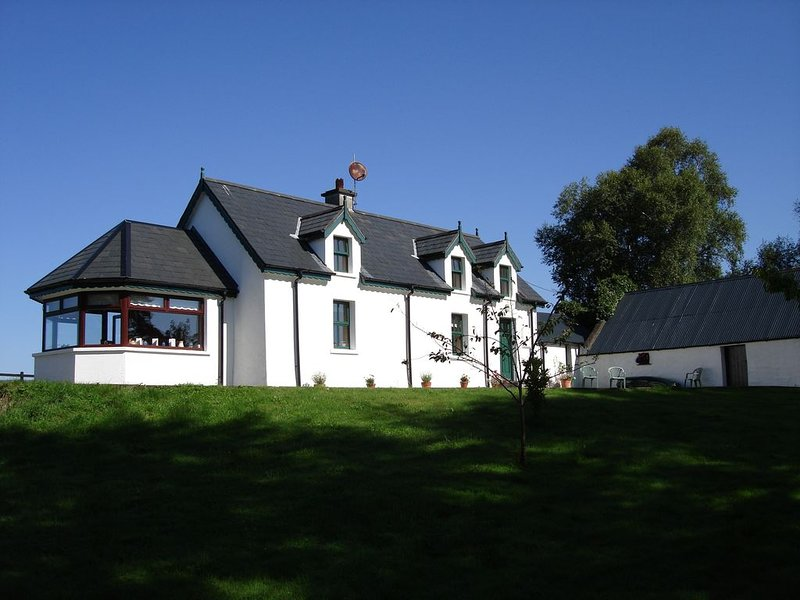 Eugene's Cottage Self Catering Accommodation, holiday rental in Tuosist