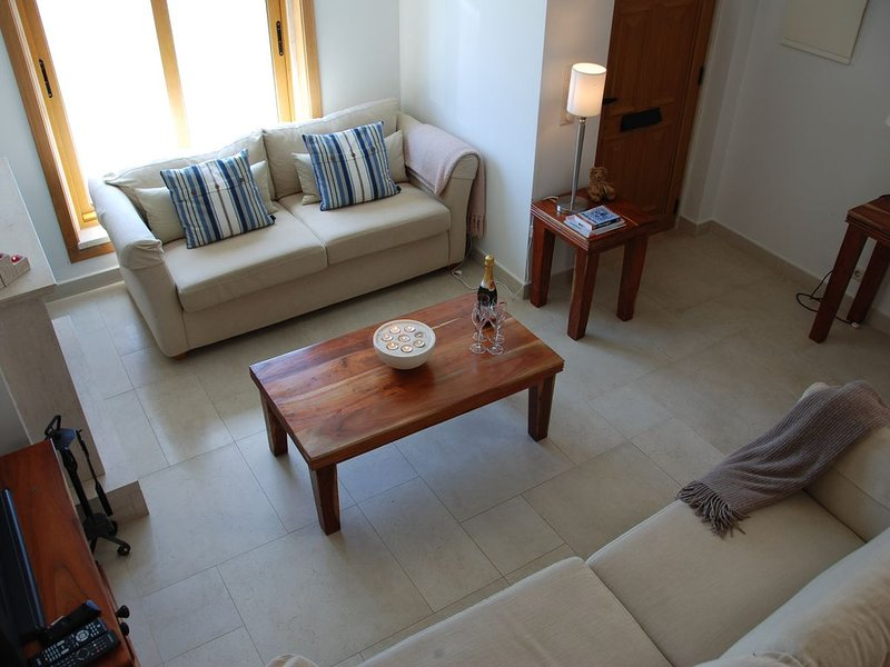 Large Townhouse with Sea Views from all rooms 3 large bedrooms, can sleep 6-10, alquiler de vacaciones en Ericeira