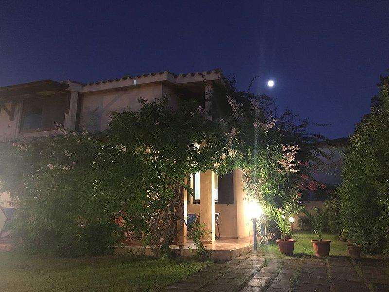 Villa con giardino sulla strada provinciale per Villasimius, location de vacances à Quartu Sant'Elena