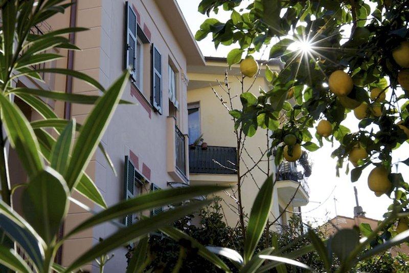 Le Petit Bijou:Charme & relax a due passi dal mare. Balcone,Wifi gratuito e A.C., vakantiewoning in Legnaro