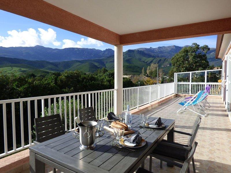 Cap Corse Pietracorbara villa climatisée, terrasse, jardin et belle vue, holiday rental in Ogliastro