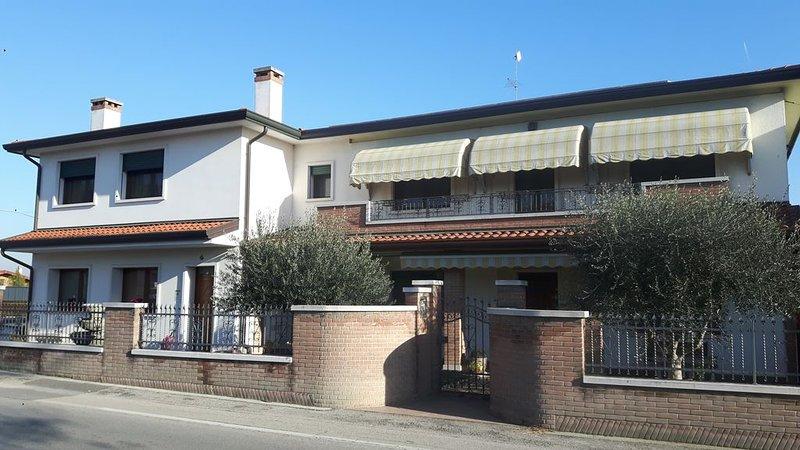 Venice! 15' by train . Lido, Chioggia,Padova,Treviso,Verona-Wi-Fi free., location de vacances à Sambruson