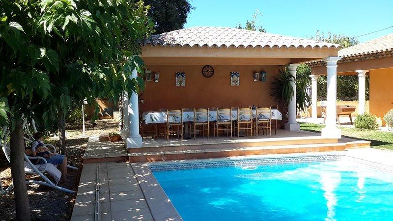 Golfe de Saint Tropez  villa tout confort clim, grande piscine.barbecue, vacation rental in Cogolin
