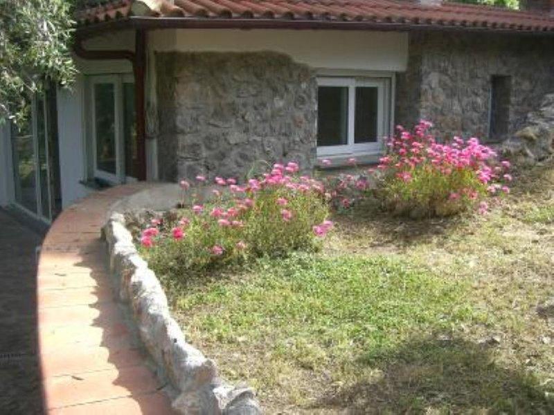 villetta con giardino privato, holiday rental in Albinia