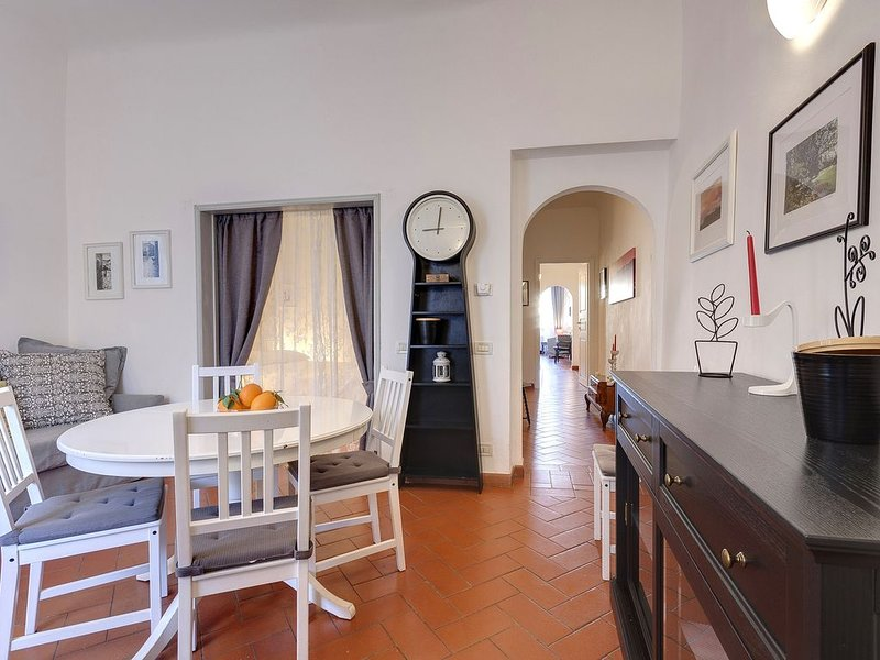 Centro storico Firenze - First Floor apartment vicino al Duomo, alquiler vacacional en Reggello