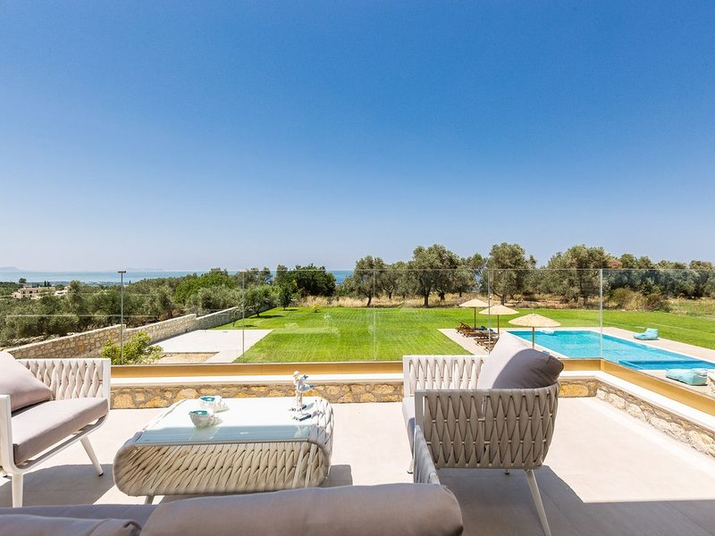 Brand new villa, amazing sea views, total privacy, 65m2 pool, close to amenities, vacation rental in Pikris
