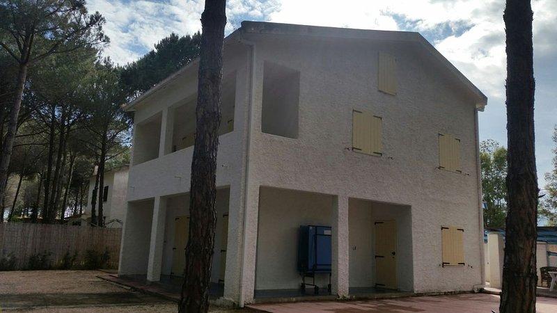 Villa immersa nel verde della pineta vicino al mare, vacation rental in Santa Margherita di Pula