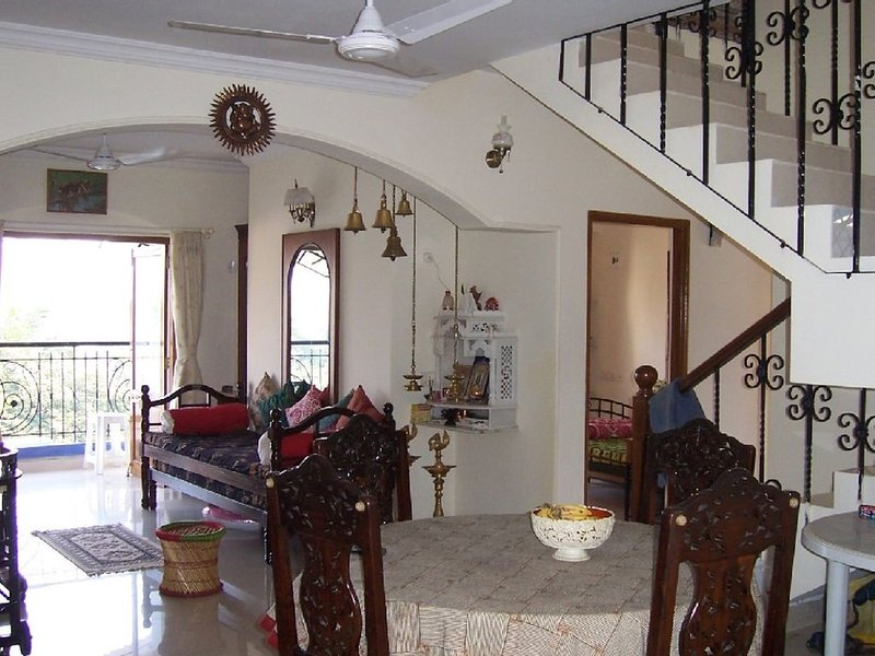 Beautiful apartment in Panaji (Goa) with river and sea views, holiday rental in Dona Paula