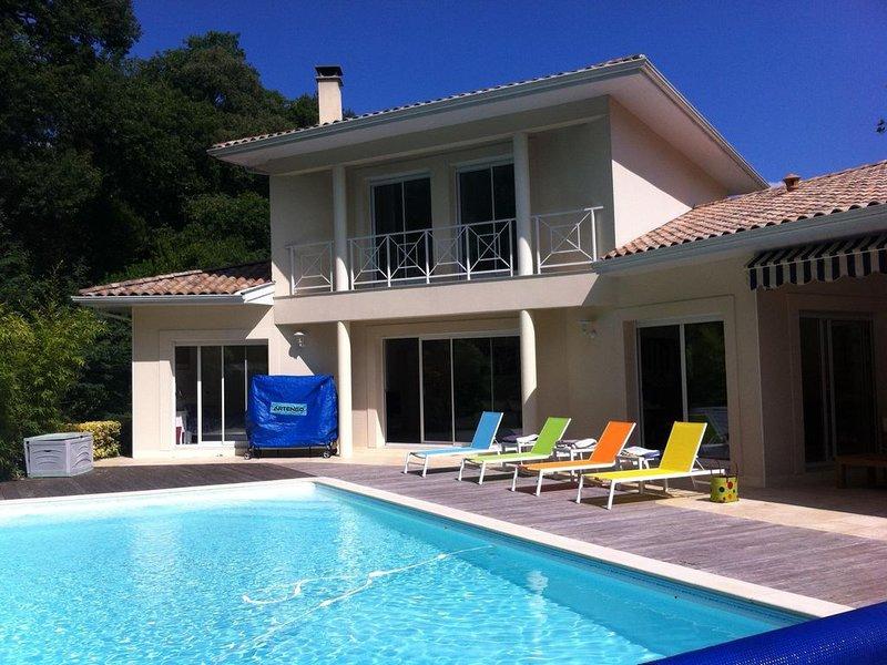 Très jolie villa familiale avec piscine au Pyla sur Mer près Moulleau 10 lits, vacation rental in Pyla-sur-Mer