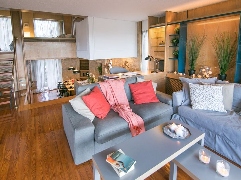 One-of-a-kind Athens Riviera Apartment, holiday rental in Paleo Faliro