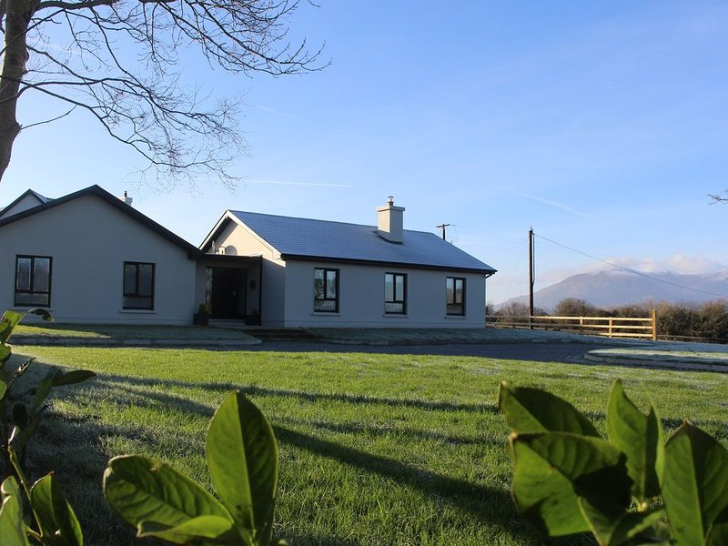 Luxurious house close to Killarney Town Centre & National Park, holiday rental in Killarney